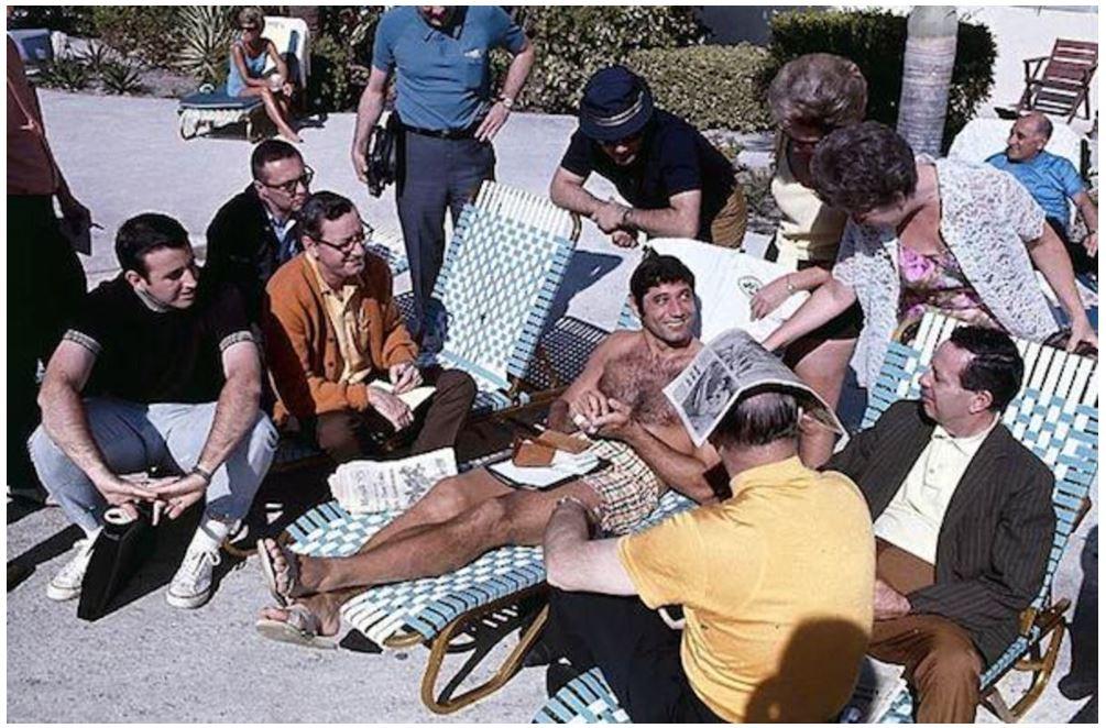 Joe Namath helps Darrelle Revis recreate classic poolside photo ...