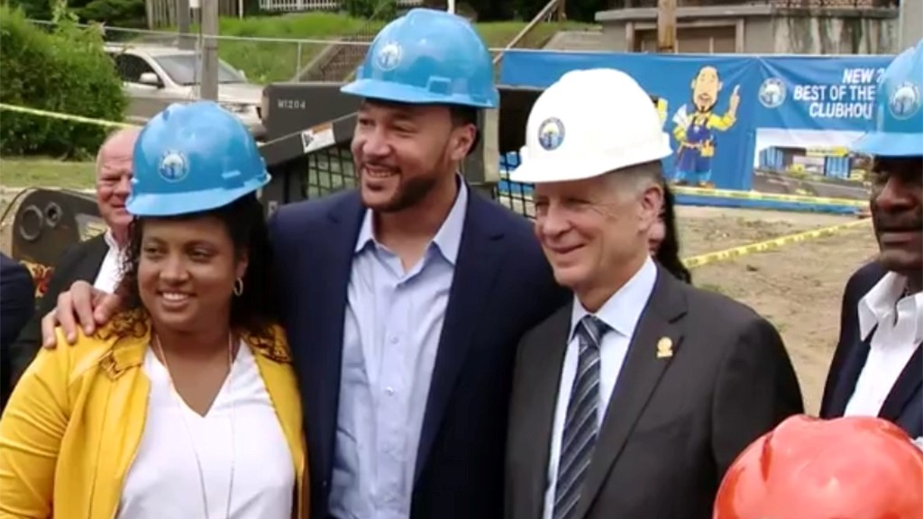Former Pittsburgh Steelers QB Charlie Batch Breaks Ground On 'Best Of The  Batch Foundation' Clubhouse Expansion – CBS Pittsburgh