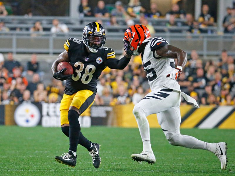 PITTSBURGH, PA - SEPTEMBER 30:  Jaylen Samuels #38 of the Pittsburgh Steelers in action against the Cincinnati Bengals on September 30, 2019 at Heinz Field in Pittsburgh, Pennsylvania.  (Photo by Justin K. Aller/Getty Images)